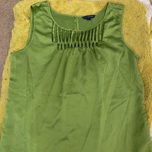 Green Banana Republic Sleeveless Blouse 🍌